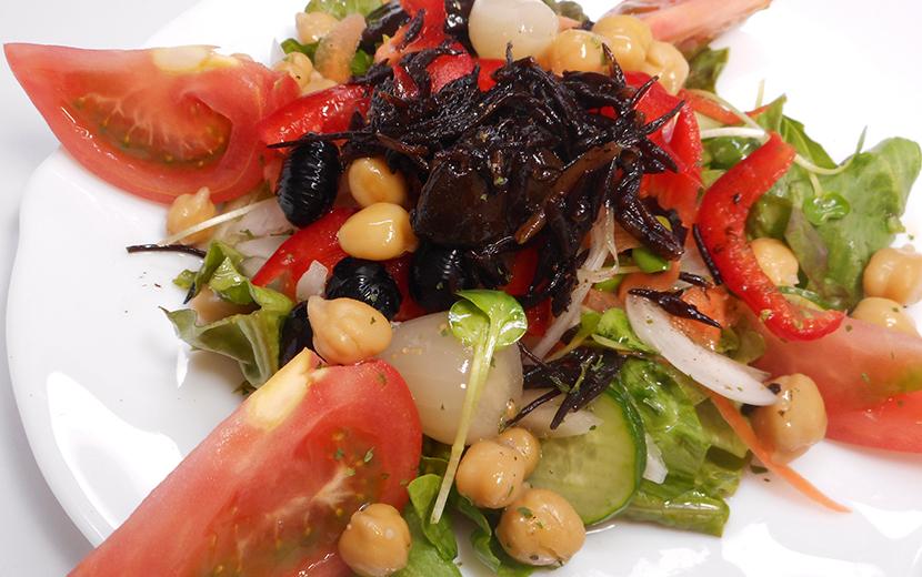 玉ねぎとひじきのサラダ